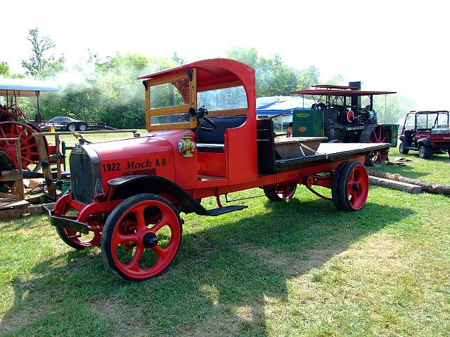 Antique Tractors In Ohio : Fairfield county antique tractor show alley park